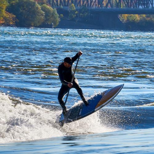 Montrealer surfer.